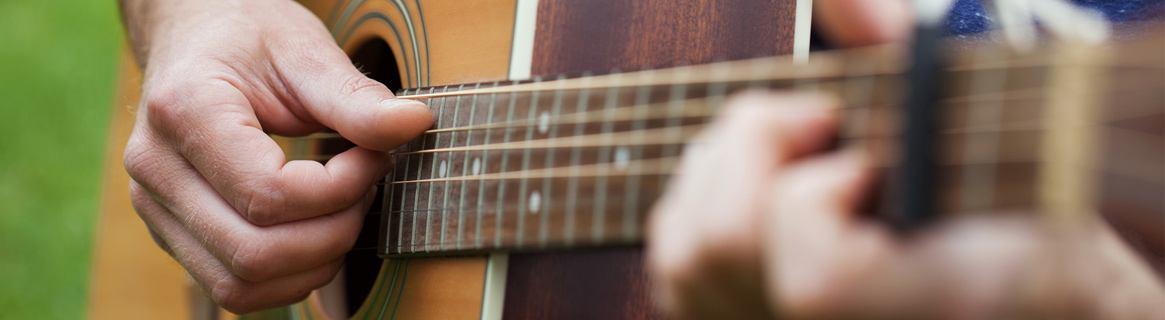Gitarrenunterricht und Bassunterricht bei der Kreismusikschule Göttingen